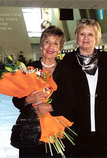 Doreen Irwin with friend